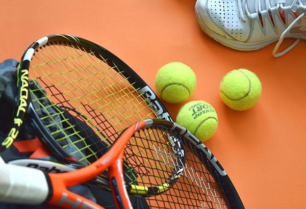 jak se naučit hrát tenis