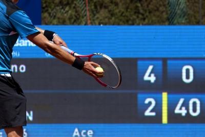naučte se jak hrát tenis