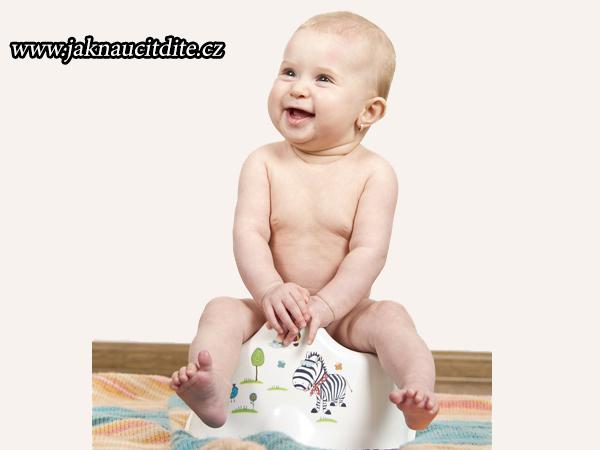Fotografie dítěte na nočníku