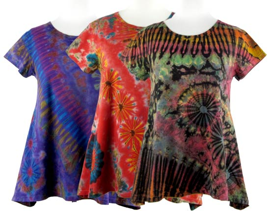 dámská trička vyrobena technikou batikování