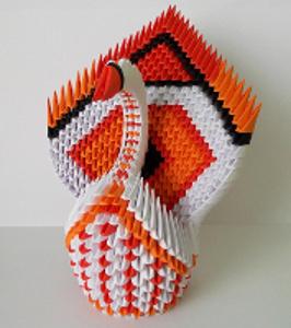 oranžovo - bílá 3d labuť složená z papíru
