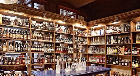 přehled všech druhů rumů při someliérském ochutnávání rumů