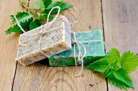 přírodní bylinné domácí mýdla