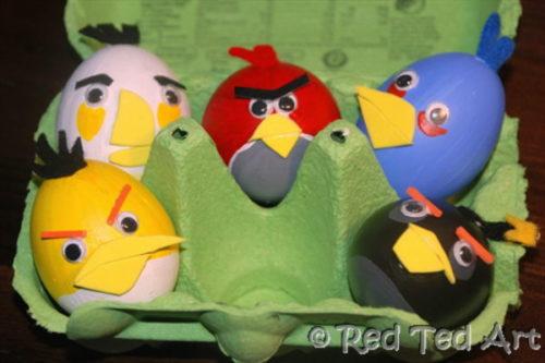 postavičky Angry Birds v podobě vajíček