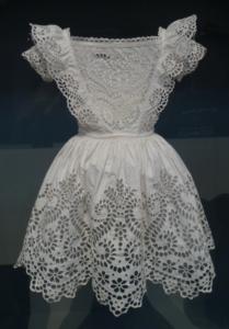 šaty štykovaná krajka