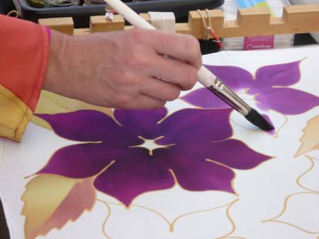květinový vzor malování na hedvábí