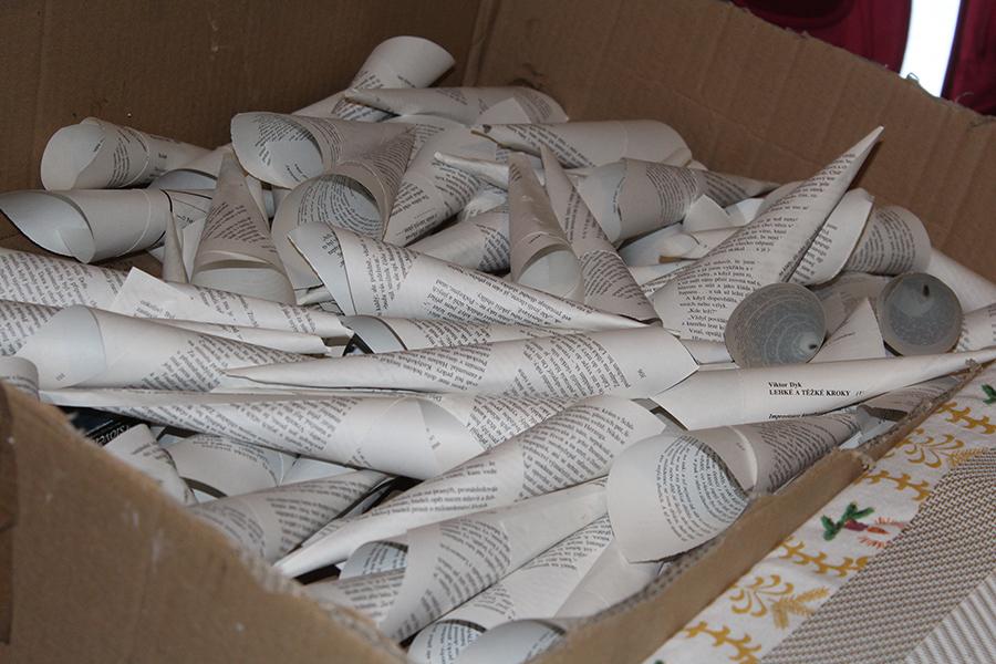Fotografie 120 ruliček z papíru