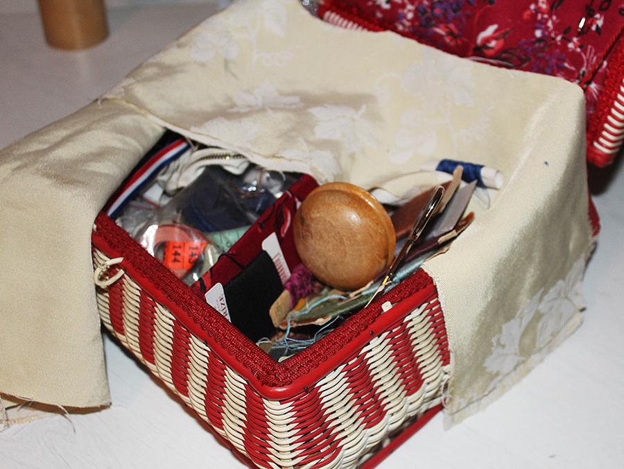 Fotografie košíku s šitím