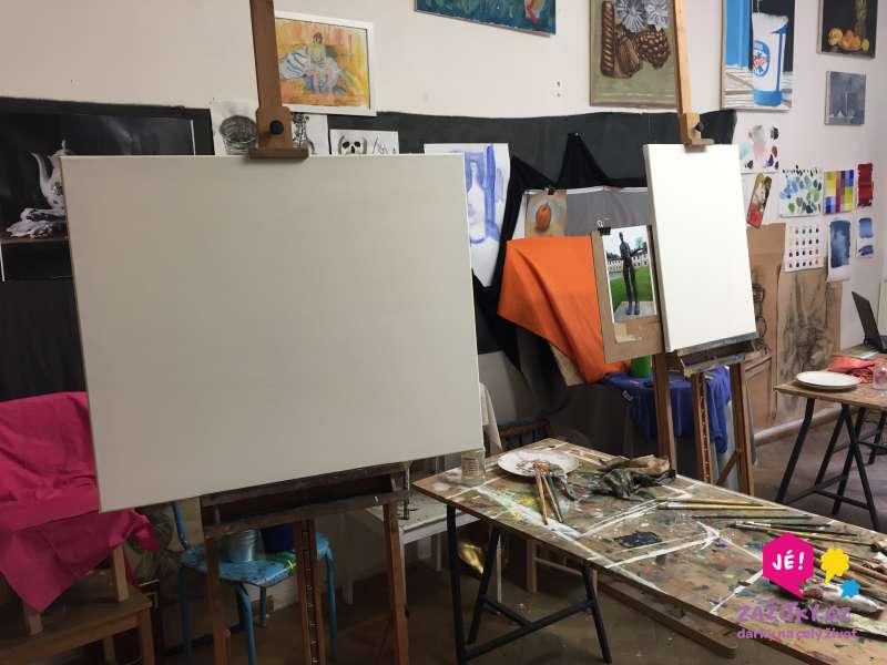 Fotografie plátna a výtvarných potřeb
