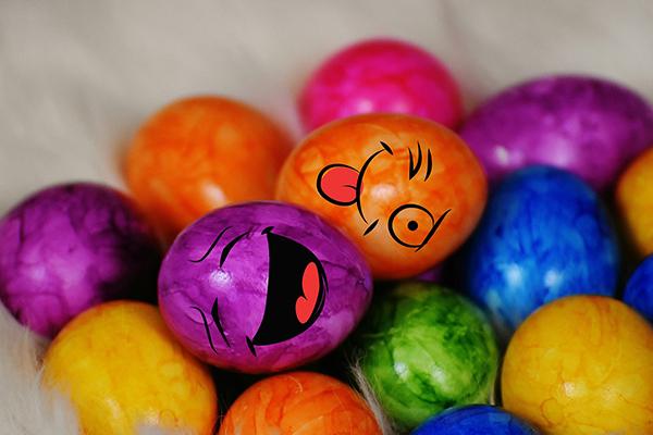 Fotografie veselých velikonočních vajec