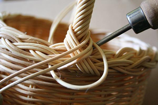 Fotografie návodu na pletený košík z pedigu od Kajjky Hátleové