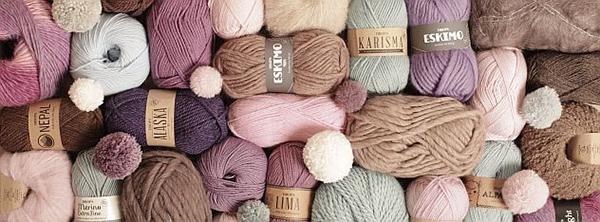Fotografie vlny a příze pro pletení a háčkování