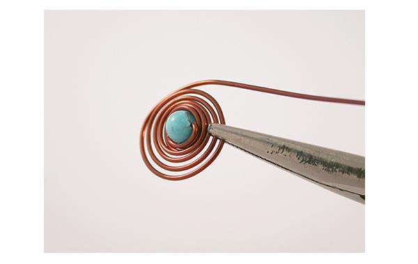 Fotografie Spirálkovité náušnice s tyrkysem- návod