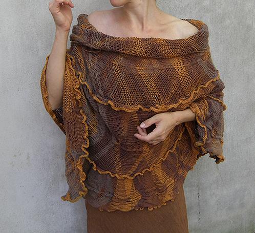 Fotografie šatů vyrobené technikou krosienkování