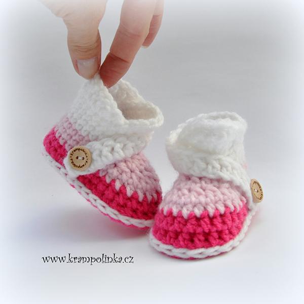 Fotografie dětských botiček - capáčků