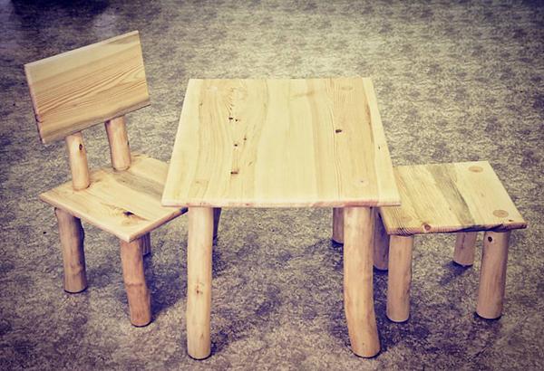 Fotografie dětského nábytku ze dřeva