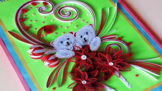 barevné diy papírové přání ozdobené květinami z papíru