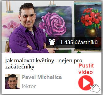 lektor online video kurzu olejomalby technikou Bob Ross stojí u plátna a vysvětluje, jak malovat květiny