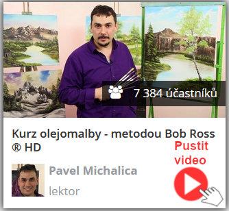 lektor online video kurzu olejomalby technikou Bob Ross stojí u plátna a vysvětluje, jak malovat