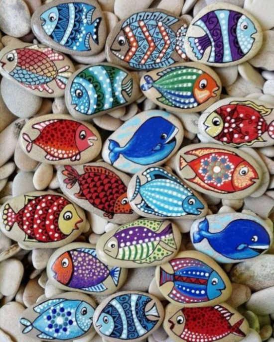 kamínky pomalované akrylovými barvami - vzor ryby